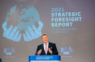 Maroš Šefčovič esittelee EU:n strategista ennakointiraporttia