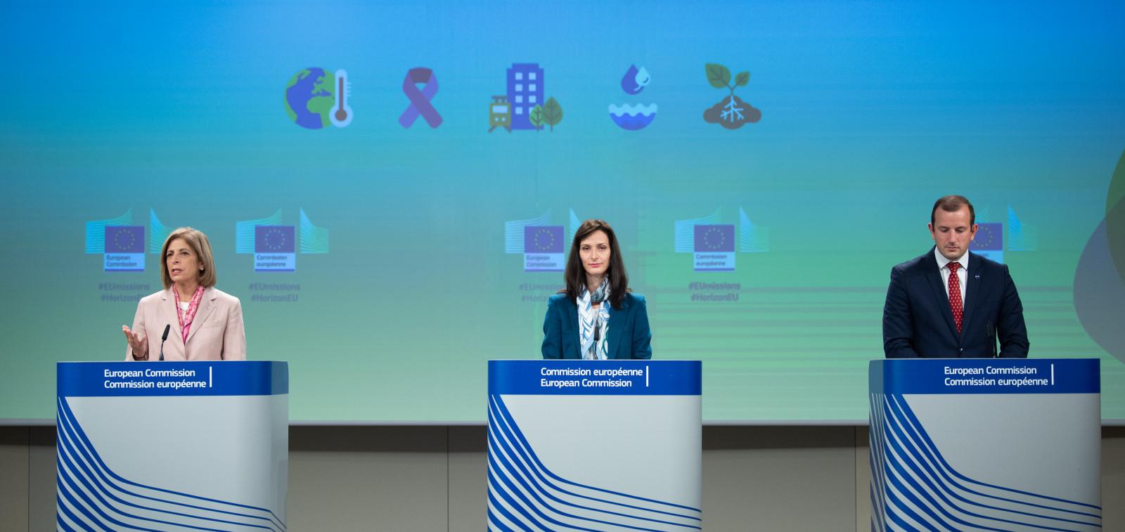 Komission tiedotustilaisuus missioihin liittyen